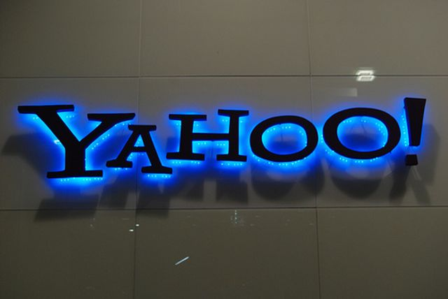 Verizon acquisition of Yahoo hits troubled water featured image