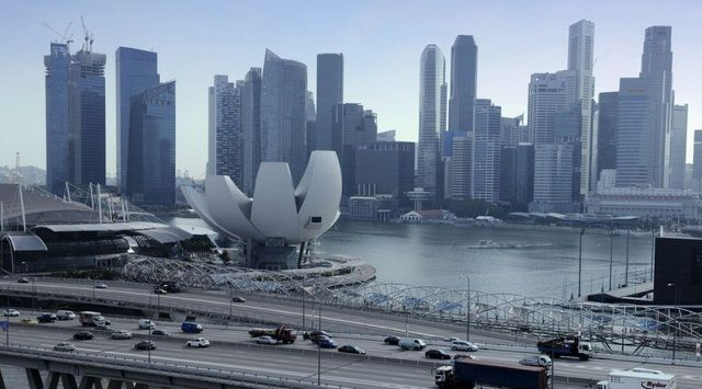 Singapore-HK rivalry undermining Asia's bid for $100b fintech market  Read more at: https://www.deal featured image