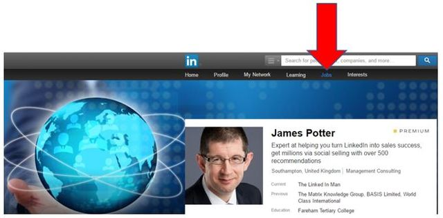 How to Get Headhunted on LinkedIn Without the Boss Knowing featured image