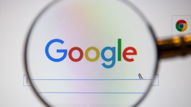 Google Testing Local Business Cards in Search Results featured image