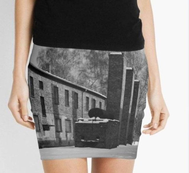 Online Retailer Redbubble Says It Will Pull Auschwitz-Themed Merchandise featured image