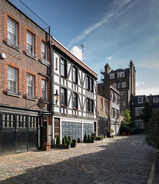Mews - London's charming traffic-free havens! featured image