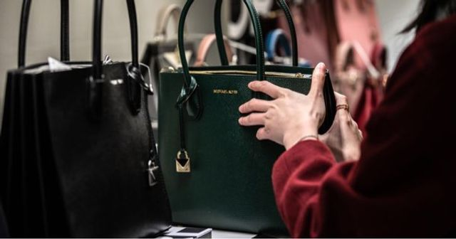 Handbag Sales are in decline, what does it means for retailers?. featured image