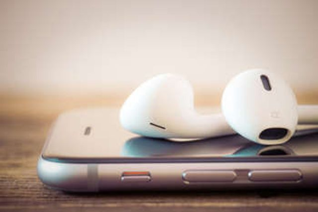 Could podcasts boost your content marketing? featured image