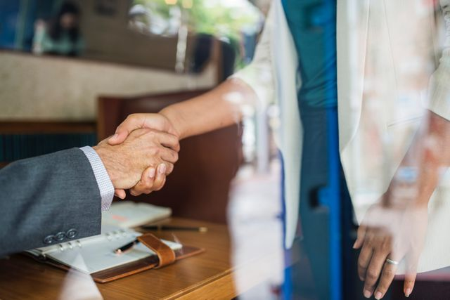 Top 5 Tips for Picking a Networking Event featured image