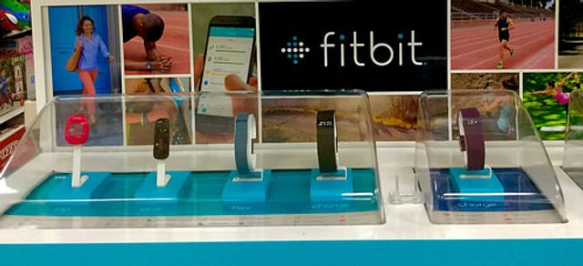 FitBit acquires Coin: time to enter payments? featured image