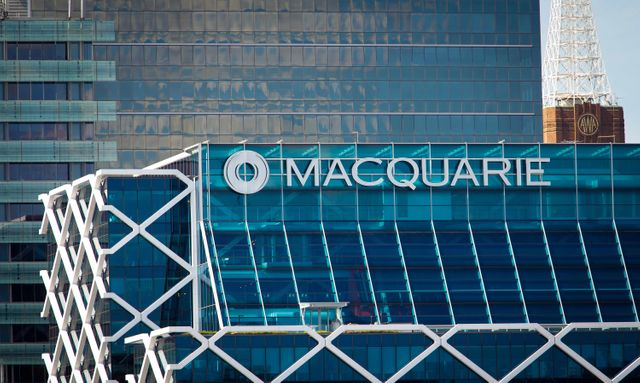Australia's Macquarie to buy Waddell & Reed Financial for $1.7b featured image