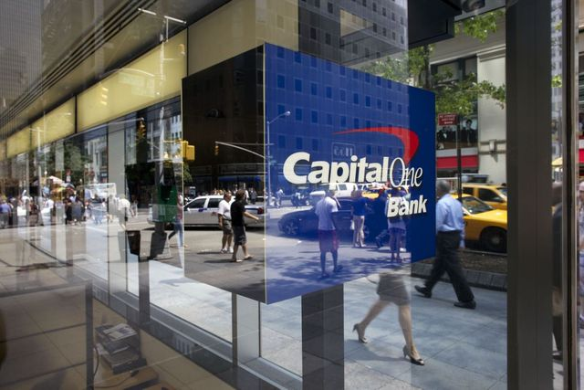 Capital One Restricts Third-Party Data Access to Plaid, Upsets Customers featured image