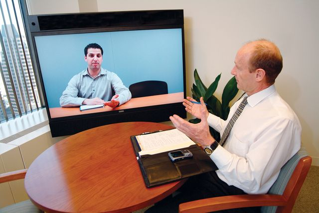 8 tips to help employers virtual / video interview effectively featured image