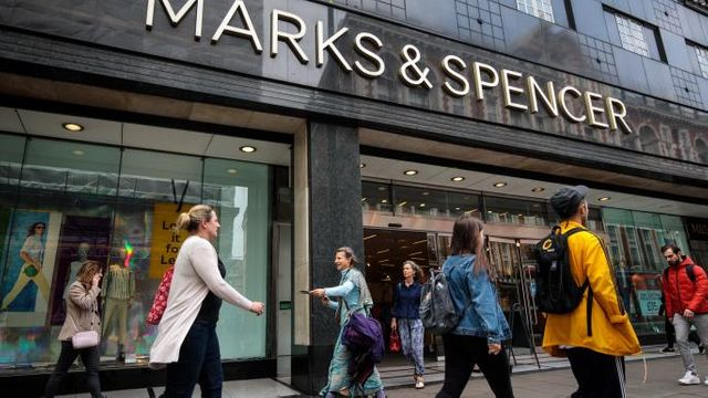 Nice bras, shame about the rest: the fall of Marks & Spencer featured image