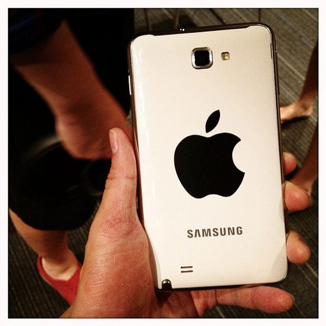 Samsung tries to claw back damages from Apple featured image